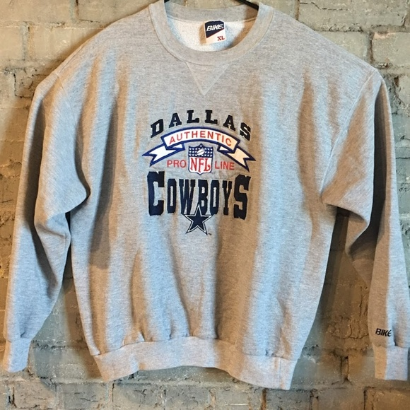 competitive price 44f65 aae6a Vintage NFL Dallas Cowboys Embroidered Sweatshirt